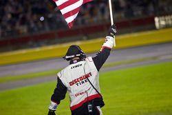 Penske Racing Dodge teamlid viert zege Brad Keselowski