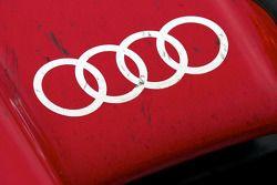 Vue de l'avant de l'Audi R15