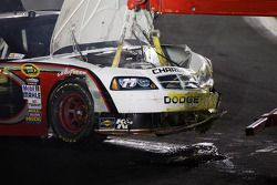 La voiture endommagée de Sam Hornish Jr., Penske Racing Dodge