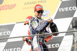 Podio: segundo lugar Jorge Lorenzo, Fiat Yamaha Team