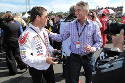 Gerente de MotoGP LCR Honda Lucio Cecchinello con Mick Doohan