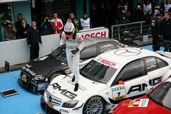 Race winner Paul di Resta, Team HWA AMG Mercedes celebrates
