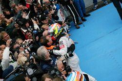 Race winner Paul di Resta, Team HWA AMG Mercedes