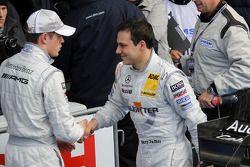 Le vainqueur Paul di Resta, Team HWA AMG Mercedes et Gary Paffett, Team HWA AMG Mercedes