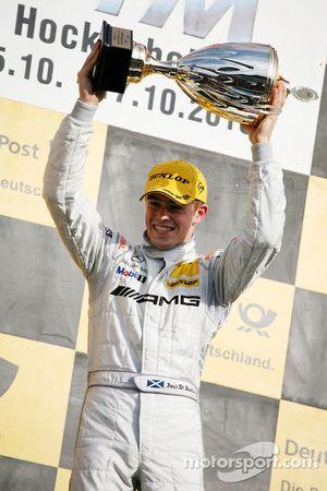 Podium: race winner Paul di Resta, Team HWA AMG Mercedes C-Klasse