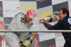 Podium: kampioen Edoardo Mortara, Signature Dallara F308 Volkswagen