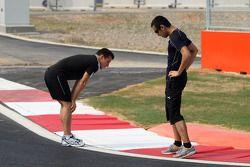 Christian Klien, pilote d'essais du Hispania Racing F1 Team et Sakon Yamamoto, Hispania Racing F1 Team
