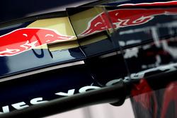 Scuderia Toro Rosso arka kanat