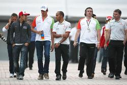 Льюис Хэмилтон, McLaren Mercedes и Адриан Сутиль, Force India F1 Team