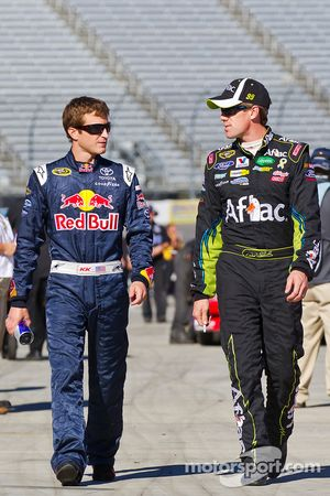 Kasey Kahne, Red Bull Racing Team Toyota en Carl Edwards, Roush Fenway Racing Ford