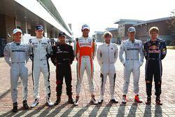 Nico Rosberg, Mercedes GP con Nico Hulkenberg, Williams F1 Team, Timo Glock, Virgin Racing, Adrian S