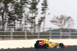 Vitaly Petrov, Renault R30 bloque ses roues au freinage