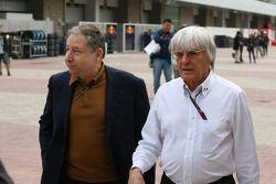Le président de la FIA Jean Todt et Bernie Ecclestone