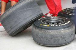 Les pneus Bridgestone de Fernando Alonso, Scuderia Ferrari, souffrent de graining