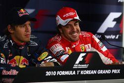 Le poleman Sebastian Vettel, Red Bull Racing, le troisième Fernando Alonso, Scuderia Ferrari