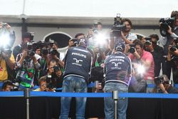 Nick Heidfeld, Test Pilotu, Mercedes GP ve Rubens Barrichello, Williams F1 Team