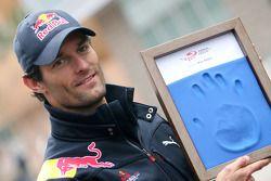 Mark Webber, Red Bull Racing, hand printing session