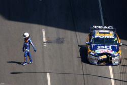 La Ford Performance Racing N°6 de Steve Richards et de Will Power abandonne après un accident dès le
