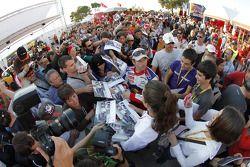 Sébastien Loeb zet handtekeningen