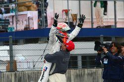 #18 Weider HSV-010: Takashi Kogure, Loic Duval