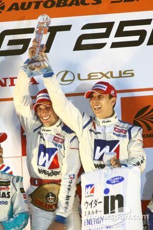 Podium GT500 Championship Champions: #18 Weider HSV-010: Takashi Kogure, Loic Duval