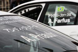 Les voitures d'Andy Priaulx, BMW Team RBM BMW 320si et d'Augusto Farfus, BMW Team RBM BMW 320si