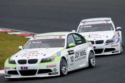 Augusto Farfus, BMW Team RBM BMW 320si et Andy Priaulx, BMW Team RBM BMW 320si