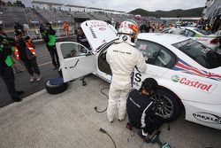 Andy Priaulx, BMW Team RBM BMW 320si