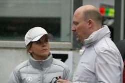Susie Stoddart, Persson Motorsport, AMG Mercedes C-Klasse met ingenieur Hans-Peter Naundorf