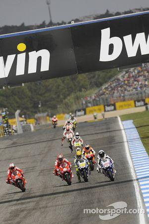 Casey Stoner, Ducati Marlboro Team, Nicky Hayden, Ducati Marlboro Team, Valentino Rossi, Fiat Yamaha