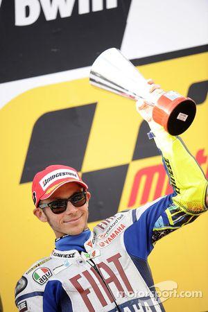 Podio: segundo lugar Valentino Rossi, Fiat Yamaha Team