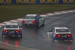 Kevin Chen Scuderia Proteam Motorsport BMW 320si, Yoshihiro Ito, Liqui Moly Team Engstler BMW 320si et Andrei Romanov, Liqui Moly Team Engstler BMW 320si