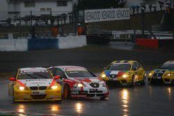 Masatoka Yanagida, Wiechers-Sport BMW 320si et Fredy Barth, Seat Swiss Racing by Sunred Seat Leon 2.0 TDI