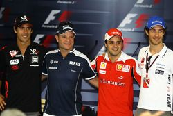 Lucas di Grassi, Virgin Racing, Rubens Barrichello, Williams F1 Team, Felipe Massa, Scuderia Ferrari