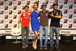 Фелипе Масса, Scuderia Ferrari, Бруно Сенна, Hispania Racing F1 Team и Лукас ди Грасси, Virgin