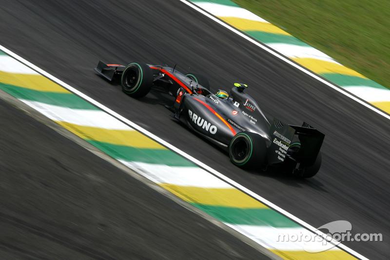 Bruno Senna ostentou as marcas da Embratel e da OGX de Eike Batista pela Hispania, em 2010.