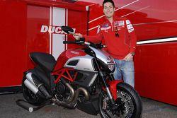 Nicky Hayden, Ducati Marlboro Team with the Ducati Diavel