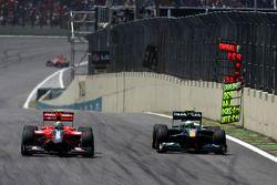 Лукас ди Грасси, Virgin Racing и Хейкки Ковалайнен, Lotus F1 Team