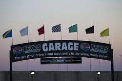 Coucher de soleil sur le Texas Motor Speedway