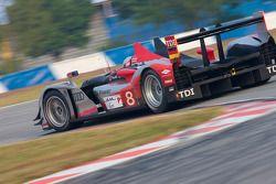 #8 Audi Sport Team Joest Audi R15 TDI: Rinaldo Capello, Romain Dumas