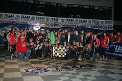 Kyle Busch celebrates in Victory Lane