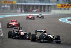 Jarno Trulli (Lotus) devance Jaime Alguersuari