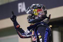 Podio:il vincitore della gara e Campione del Mondo di Fomula 1 anno 2010 Sebastian Vettel, Red Bull Racing, festeggia la vittoria, GP Abu Dhabi del 2010