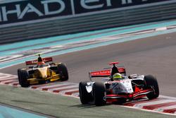 Luiz Razia devance Romain Grosjean