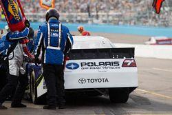 Pit stop for Robby Gordon, Robby Gordon Motorsports Toyota