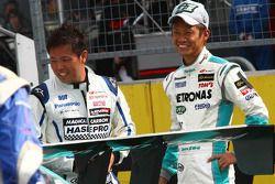 Magical Carbon apr Axio :Kosuke Matsuura; Petronas Tom's SC430 : Juichi Wakisaka