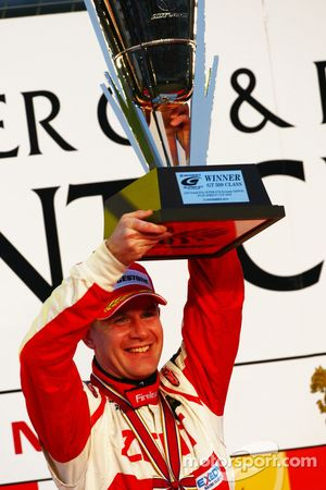 Podium GT500 winnaar Richard Lyons