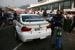 De wagen van Augusto Farfus, BMW Team RBM BMW 320si, Pre-startgrid