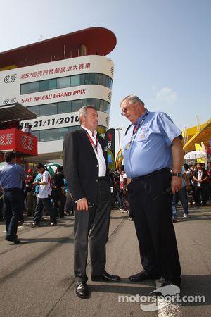 Marcello Lotti, algemeen manager KSO, en Yves Baquelaine, FIA Steward