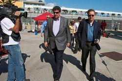 NASCAR President Mike Helton en NASCAR CEO en Chairman Brian France